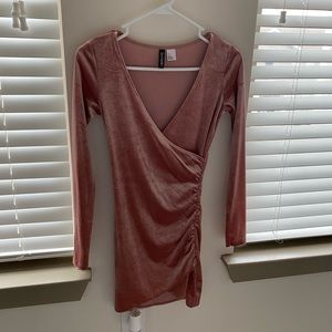 new without tag rose/mauve velvet dress